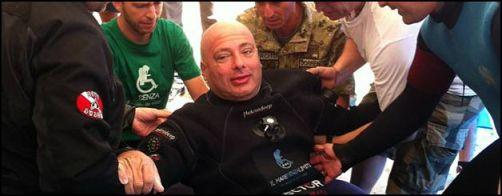 Paolo De Vizzi stabilisce il nuovo record mondiale a 34 ore - www.lavocedelmarinaio.com