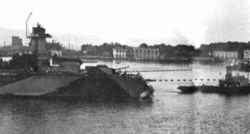 regia nave Muzio Attendolo nel porto di Messina foto di Sergio Cavacece - Copia