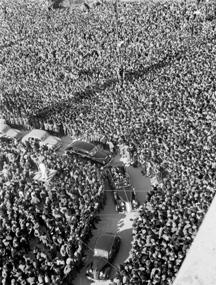 Bagni di folla per Trieste torna a far parte dell'Italia - www.lavocedelmarinaio.com