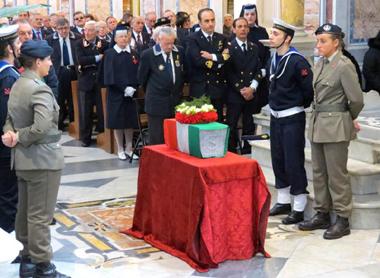 URNA CON I RESTI MORTALI DI ANTONINO RUSSO - www.lavocedelmarinaio.com