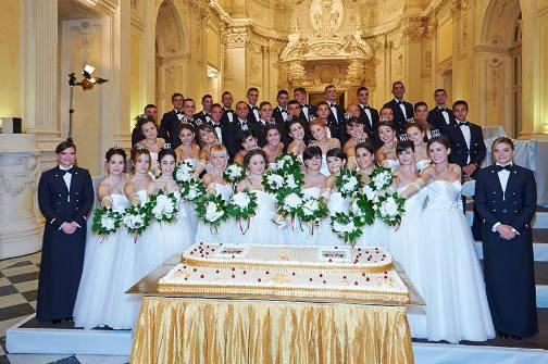 il ballo delle debuttanti (foto di Anna Mangione per www.lavocedelmarinaio.com)