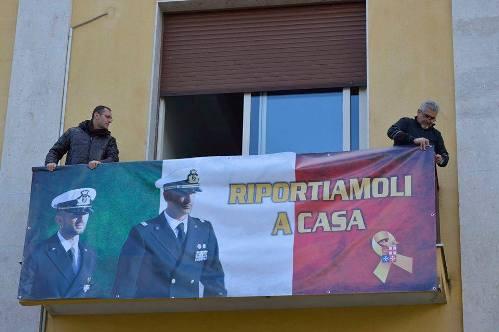 Comune di Santa Venerina (CT) acon Massimiliano e Salvatore - www.lavocedelmarinaio.com  - Copia