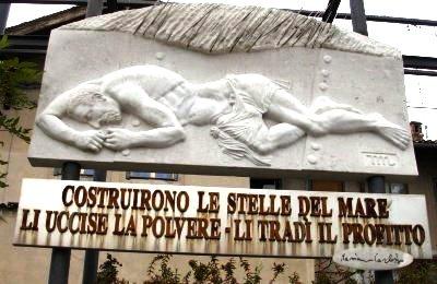 Monumento alle vittime dell'amianto (www.lavocedelmarinaio.com)