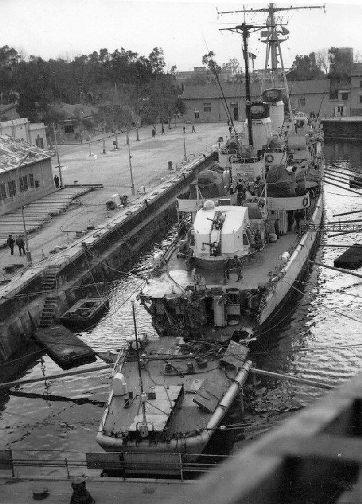 Nave Castore in due parti dopo la collissione del 23.3.1965