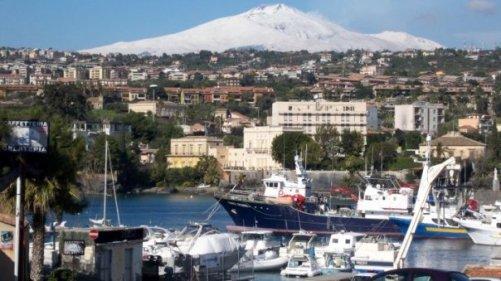 Il molo di Ognina - www.lavocedelmarinaio.com