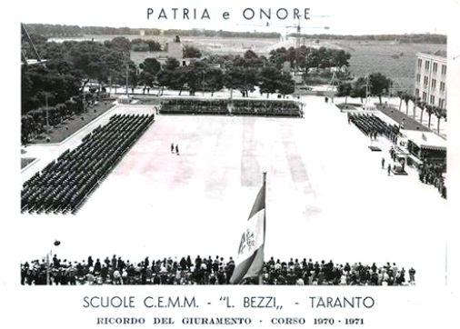 Scuole C.E.M.M. Lorenzo Bezzi Taranto giuramento corso 1970- 1971 - www.lavocedelmarinaio.com