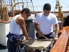 Nave Vespucci Allievi alla manutenzione - www.lavocedelmarinaio.com