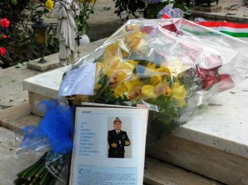 Tomba dell'Amm.Papili - www.lavocedelmarinaio.com