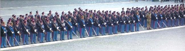 Schieramento giuramento alla Nunziatella - www.lavocedelmarinaio.com