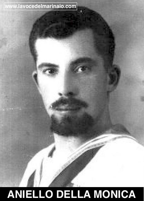 Sergente Aniello Della Monica - www.lavocedelmarinaio.com
