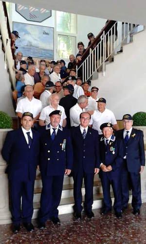 Partecipanti al raduno di nave Visintini - www.lavocedelmarinaio.com