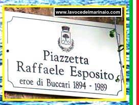 Piazzetta Raffaele Esposito - www.lavocedelmarinaio.com