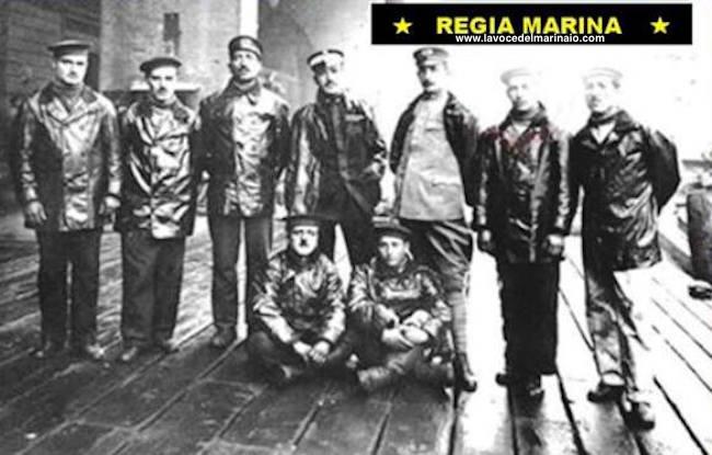 Raffaele Esposito e i protagonisti della Beffa di Buccari - www.lavocedelmarinaio.com