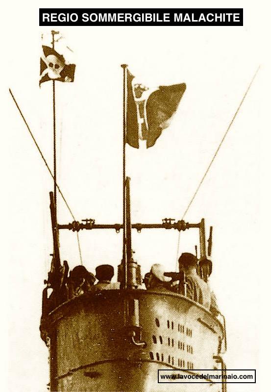 curiosa immagine del regio sommergibile malachirte - www.lavocedelmarinaio.com