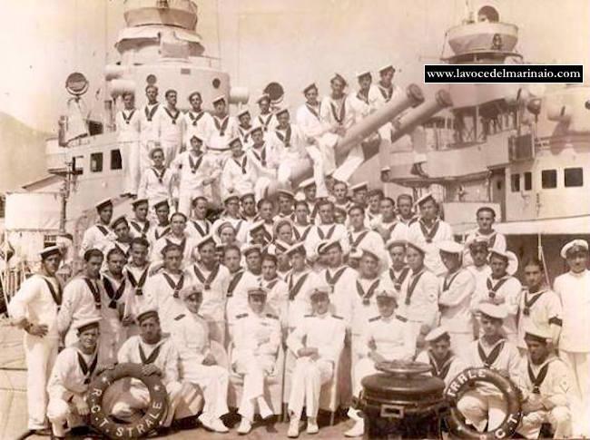 equipaggio regia nave Strale 1932 - www.lavocedelmarinaio.com