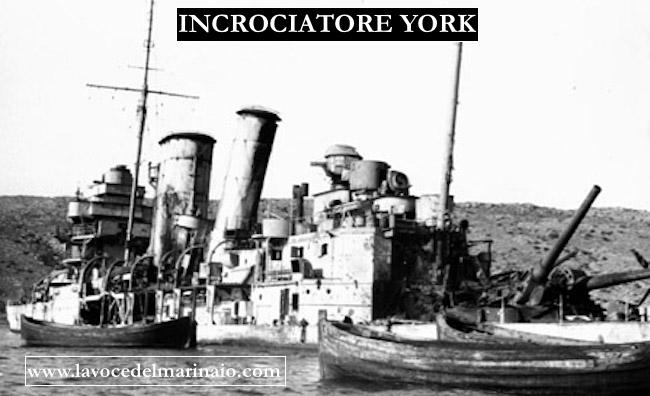 L'incrociatore inglese York danneggiato nella baia di Suda (1941) - www.lavocedelmarinaio.com