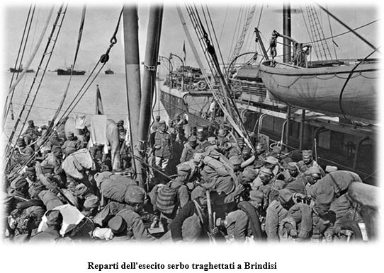 Regia nave Bixio - reparti esercito serbo traghettati a Brindisi - www.lavocedelmarinaio.com