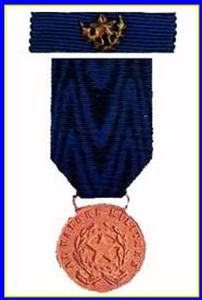 Medaglia d'oro aloa valor militare concessa alla Marina Mercantile l'11.4.1951 - www.lavocedelmarinaio.com