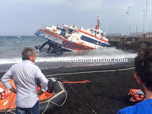 Tragedia sfiorata a Stromboli 16.6.2016 - www.lavocedelmarinaio.com