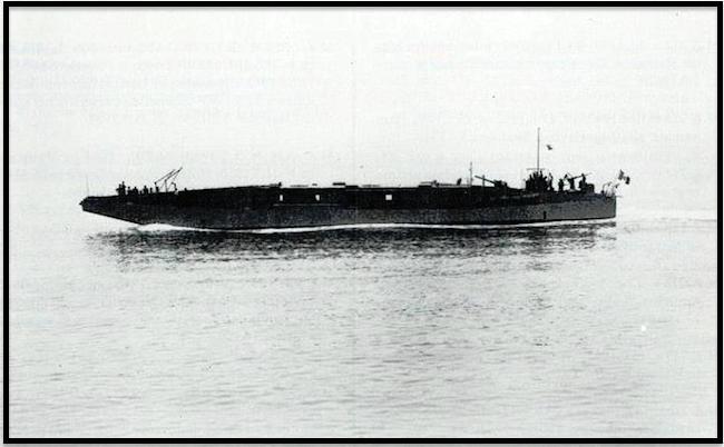 MZ 755 (collezioni private e dalla Bunsesarchiv con scatti del Leutnant zur See Horst Grund della Kriegsmarine) www.lavocedelmarinaio.com