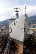 Nave in bacino all'Arsenale di La Spezia