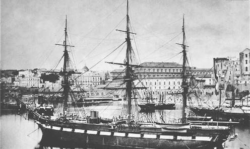 pirocorvetta Magenta ormeggiata nel porto di Napoli (18709