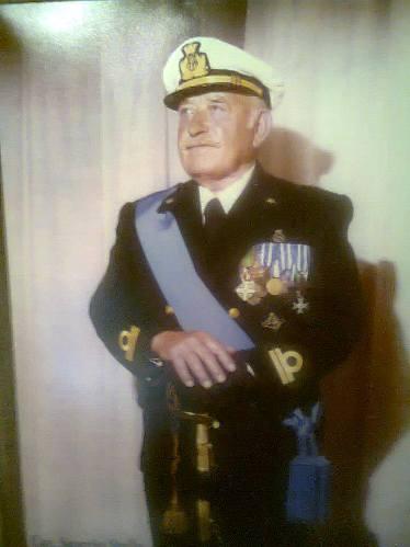 ottotenente di vascello Pasquale di nave Titano per www.lavocedelmarinaio.com