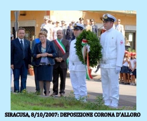 deposizione corona alloro - www.lavocedelmarinaio.com -  Copia