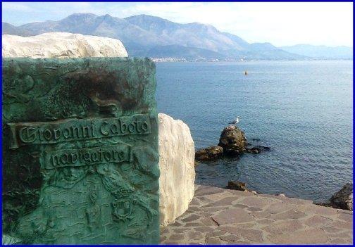 Gaeta e il suo mare (foto Carlo Di Nitto p.g.c. a www.lavocedelmarinaio.com)