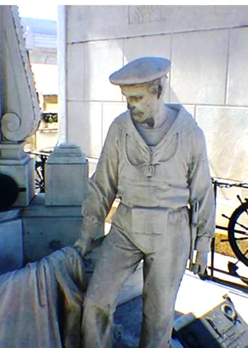 Regia nave Lombardia particolare del monumento ai marinai italiani in Brasile - www.lavocedelmarinaio.com