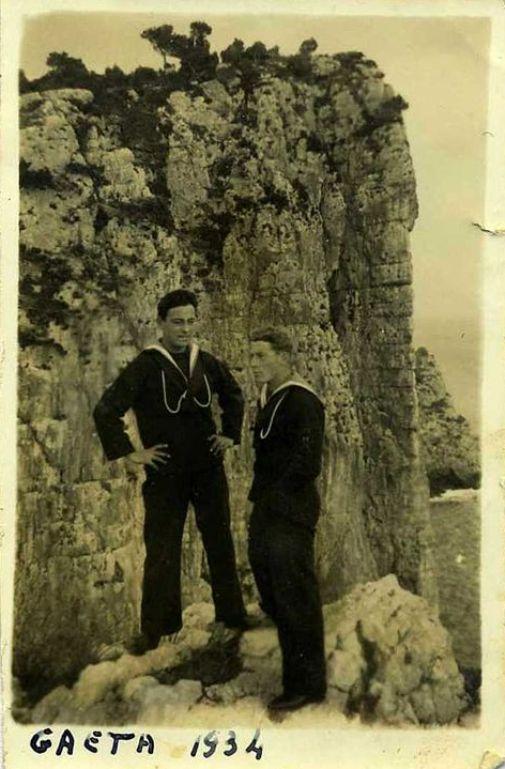 Gaeta 1934 - Sottocapo Antonio Miccoli (f.p.g.c. Marino Miccoli a www.lavocedelmarinaio.com)