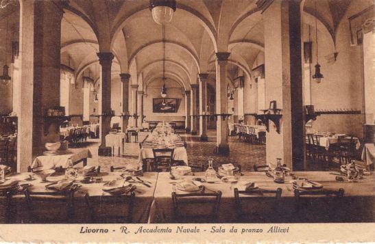 Cartolina regia Accademia navale di Livorno - sala da pranzo - www.lavocedelmarinaio.com