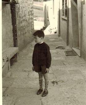Marinaio Carlo Mignogna da bambinoa Riccia in Vico Campobasso 5  per www.lavocedelmarinaio.com