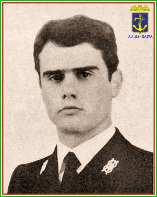 Guardiamarina Giuseppe Minelli (foto p.g.c. carlo Di Nitto a www.lavocedelmarinaio.com) - Copia