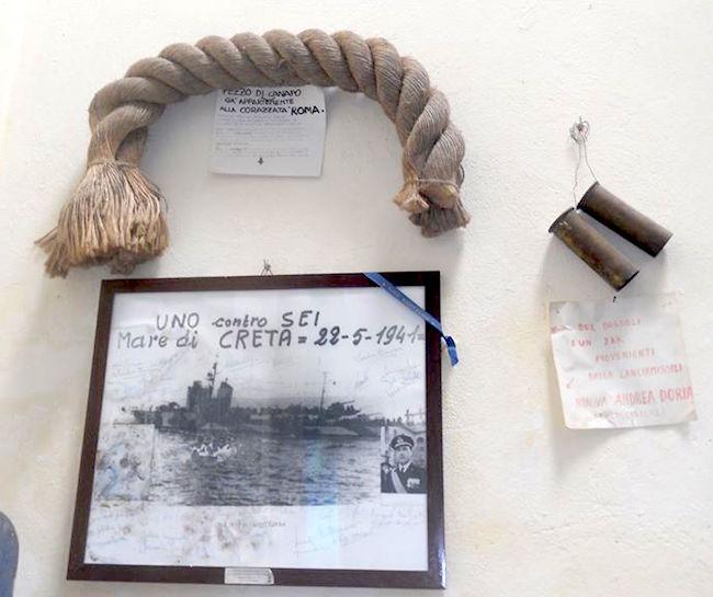 Cimeli donati dai marinai alla Chiesa il tempio della Fraternità - www.lavocedelmarinaio.com copia