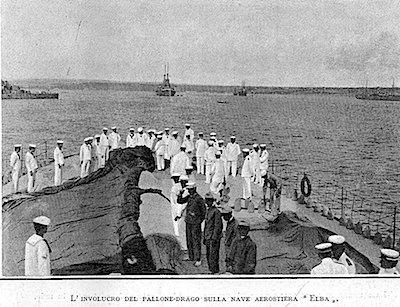 Involucro del pallone - drago a bordo di nave Elba