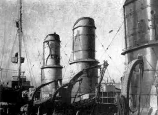 Regio incrociatore Taranto (particolare) foto U.S.M.M. - copia - www.lavocedelmarinaio.com