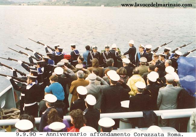 9.9.1990 commemorazione per i caduti della regia nave Roma - www.lavocedelmarinaio.com