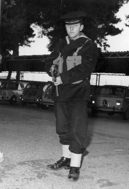 Il marinaio Mario Veronesi (f.p.g.c. a www.lavocedelmarinaio.com)