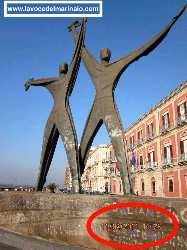 Il monumento del Marinaio a Taranto - www.lavocedelmarinaio.com