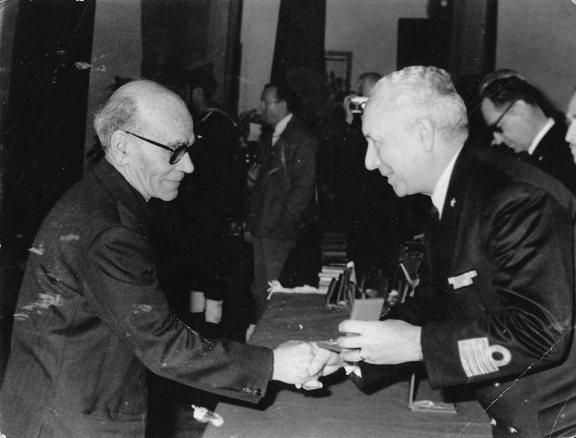 Onorificenza concessa a Ubaldo Mattei - www.lavocedelmarinaio. com (f.p.g.c. dell'autrice diritti riservati)