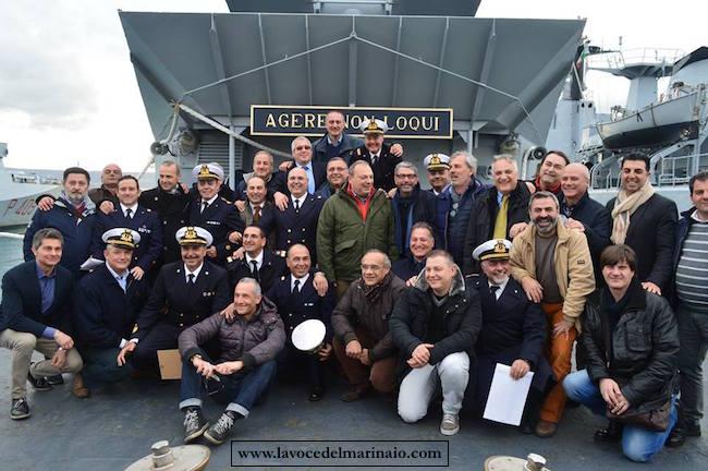 Nave Danaide - alcuni marinai componenti il primo equipaggio - www.lavocedelmarinaio.com