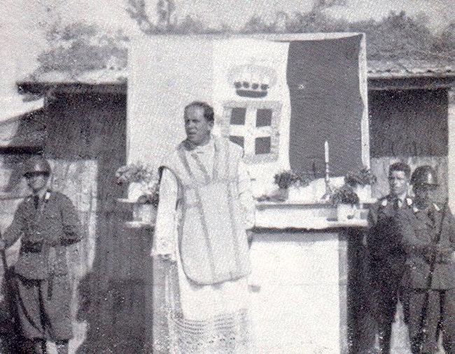 Padre Igino Lega notare Il tricolore per abside - foto internet - www.lavocedelmarinaio.com