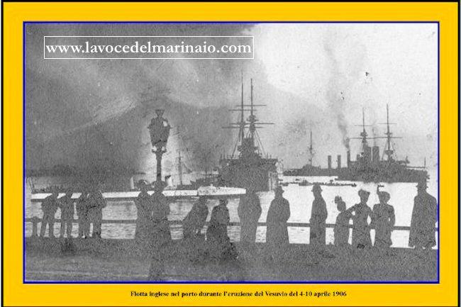 4-10.4.1906 la flotta inglese nel porto di Napoli durante l'eruzione del Vesuvio - www.lavocedelmarinaio.com