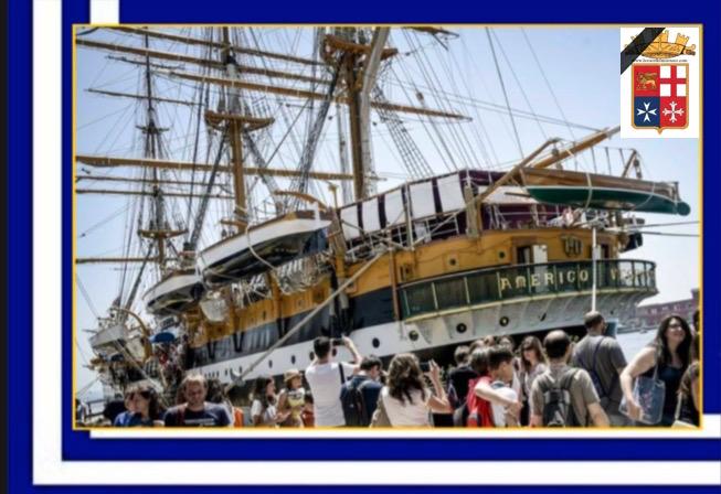 Nave Vespucci ormeggiata a Napoli (foto Antonio Cimmino) - www.lavocedelmarinaio.com