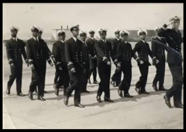 Ufficiali accademia narina militare etipica