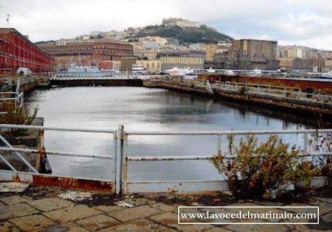 bacinodi raddobbo a Castellammare di Stabia al 2016 - www.lavocedelmarinaio.com