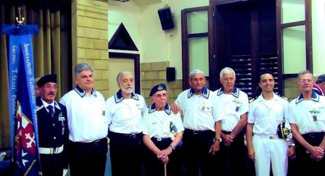 le rappresentanze di A.N.M.I. Gioia Tauro (f.p.g.c. Giuseppe Magazzù a www.lavocedelmarinaio.com)
