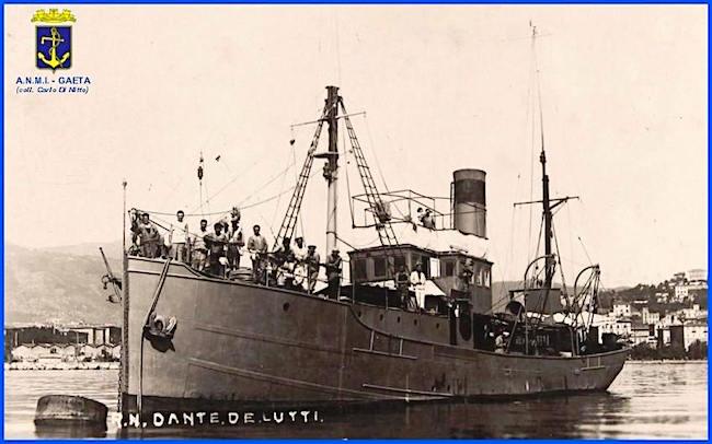 regia nave Dante De Lutti (f.p.g.c Carlo Di Nitto a www.lavocedelmarinaio.com)
