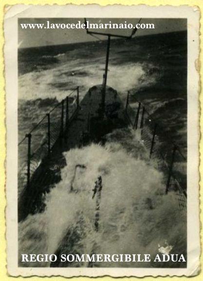 r-sommergibile-adua-in-navigazione-www-lavocedelmarinaio-com-foto-collezione-privata-fam-miccoli-copia